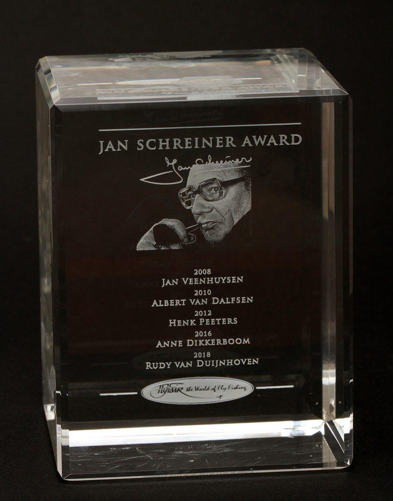 De Jan Schreiner Award is eerder uitgereikt aan Jan Veenhuysen, Albert van Dalfsen, Henk Peeters en Anne Dikkerboom.