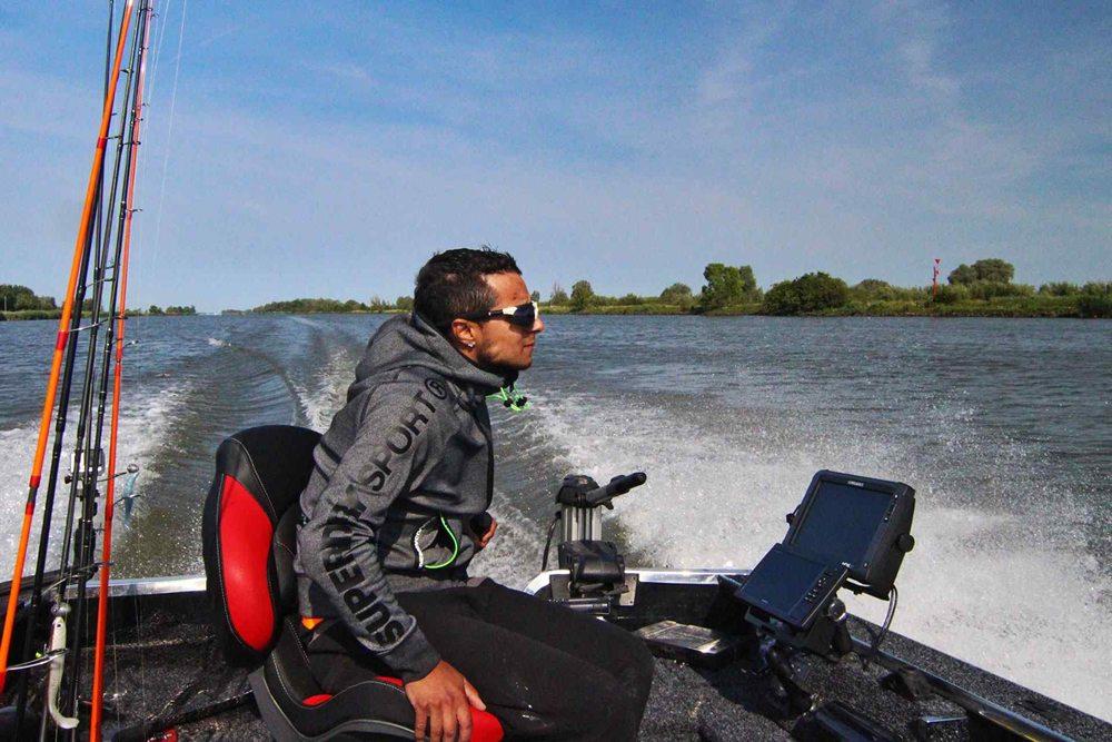 Natuurlijk vaar je in een prachtige boot voorzien van alle technische snufjes.