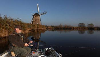 Deze overeenkomst tussen diverse ministeries, de Unie van Waterschappen, Natuurmonumenten, Dibevo en Sportvisserij Nederland heeft als doel de komende jaren het gebruik van lood binnen de sportvisserij volledig af te bouwen.