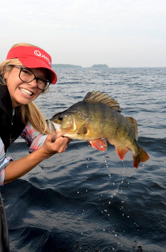 Een schitterende, donkere baars, ik was compleet extatisch want met deze vis verbrak ik mijn persoonlijk record.