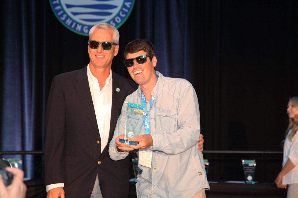 De eerste avond werden 25 Best Product Awards uitgereikt tijdens een druk bezochte ceremonie. Costa ontving de award voor de beste nieuwe zonnebril.