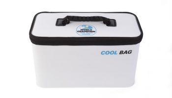 De World Champion Team Feeder Cool Bag vormt een prima aanvulling op de World Champion range, deze koeltas is geconstrueerd van hoge kwaliteit EVA met een extra isolerende voering.