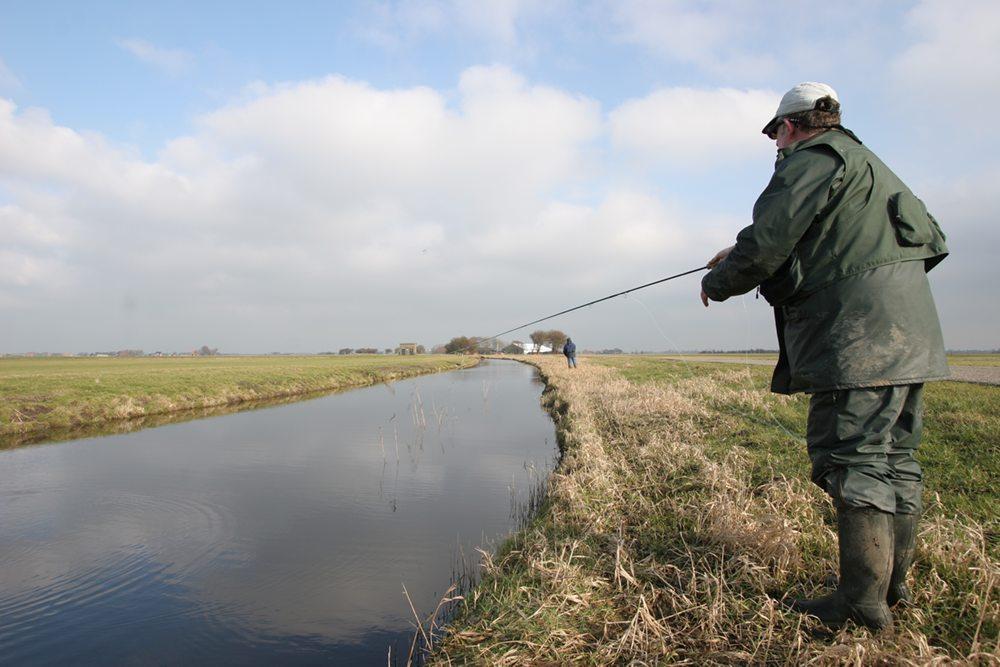 Met de snoekstreamer onderweg in een Friese polder.
