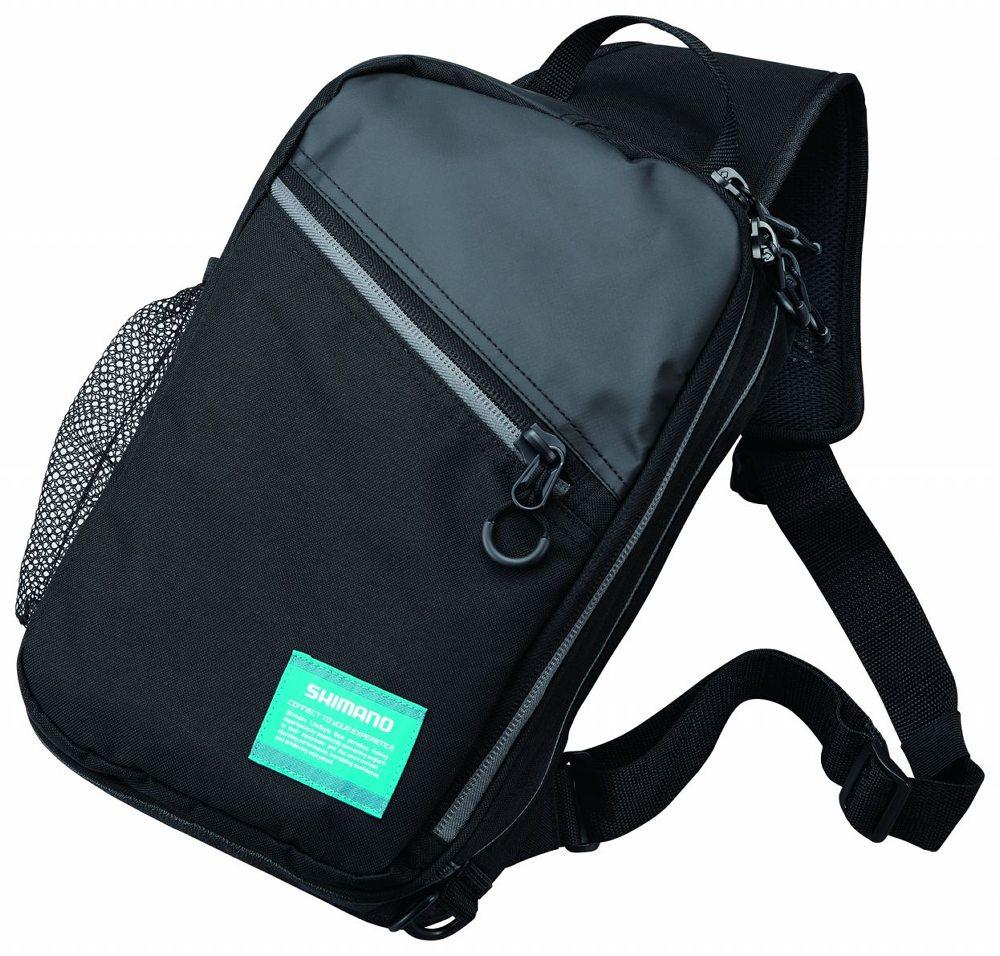 De schoudertassen van slijtvast materiaal zijn voorzien van zware kwaliteit, zoutwaterdichte ritssluitingen die eenvoudig te openen zijn.