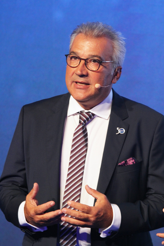 De boot Düsseldorf directeur Petros Michelidakis verklaarde dat deze beurs de enige is die duidelijk de veelzijdigheid van watersportindustrie en -wereld voor het voetlicht zet.