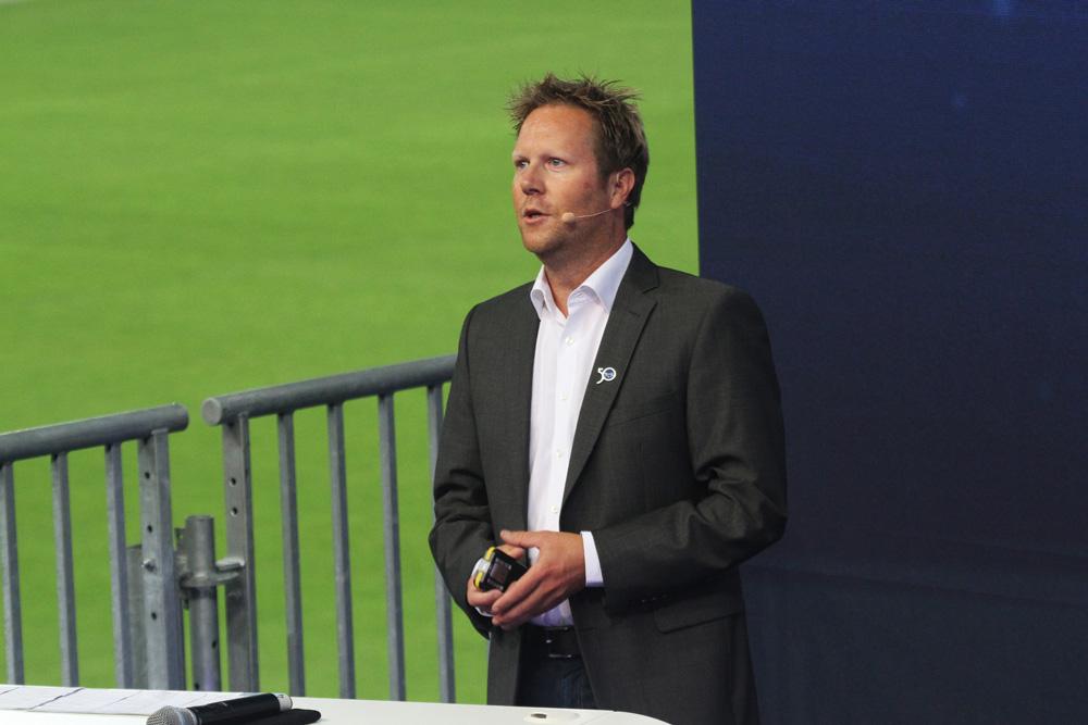 Sönke Röver organiseert jaarlijks seminars op boot Düsseldorf over het zeilen rond de wereld.