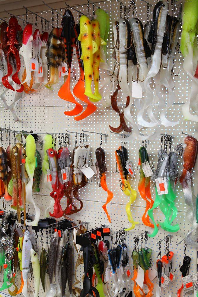 Hengeldiscount Gigant wordt wel het 'Walhalla voor de roofvisser' genoemd en met recht. Een groot deel van het assortiment zal straks ook op de Hengelsport- en Botenbeurs te bewonderen en te koop zijn.