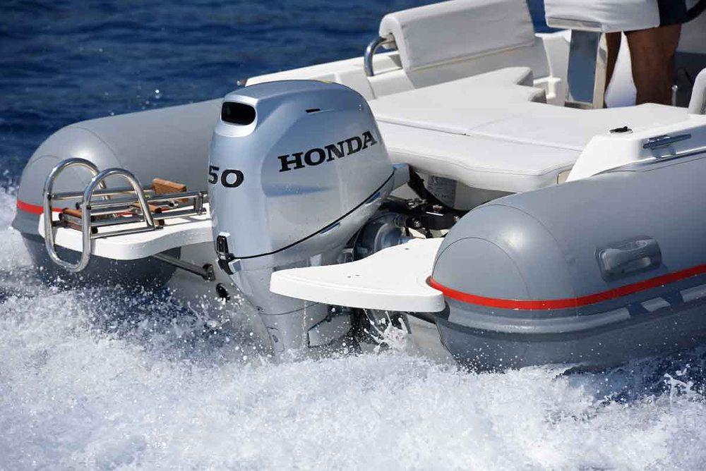 De motoren zijn onder meer voorzien van de nieuwste Electronic Fuel Injection (EFI) technologie.