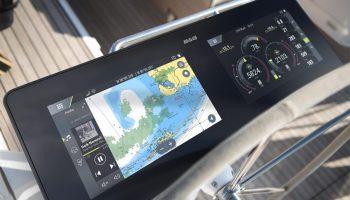 Navico®, het moederbedrijf van de merken Lowrance®, Simrad®, B&G® en C-MAP®, heeft op de laatste dag van oktober een nieuwe categorie nautische elektronica aangekondigd: de information display (ID).