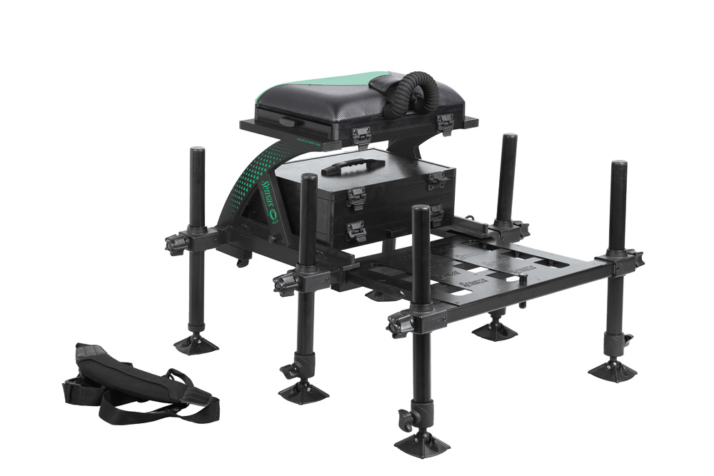 De 36 Nanoflex 3900 in zwart is een zitkist waarvan je uiterst comfortabel kunt vissen.