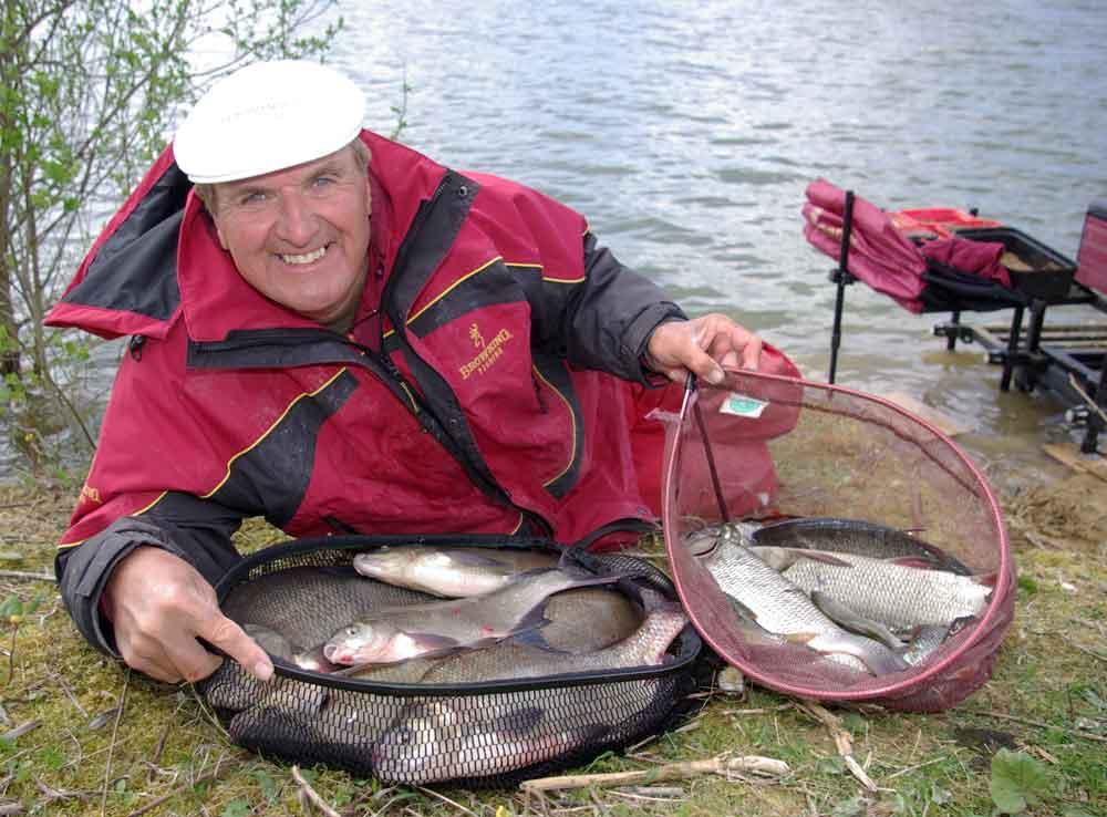 Meervoudig wereldkampioen wedstrijdvissen Bob Nudd vist al vele jaren met de producten van Browning.