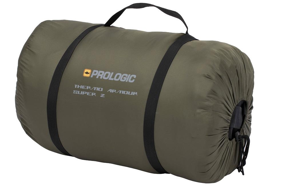 Prologic slaapzak - De slaapzak van 215 x 95 cm wordt geleverd in een draagtas waarin ze compact opgeborgen kan worden.