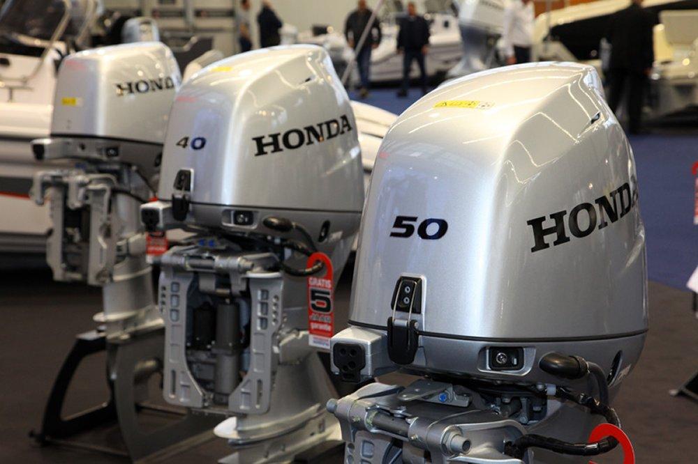 Ook de 40 en 50 pk buitenboordmotoren van Honda hebben een re-styling gekregen.