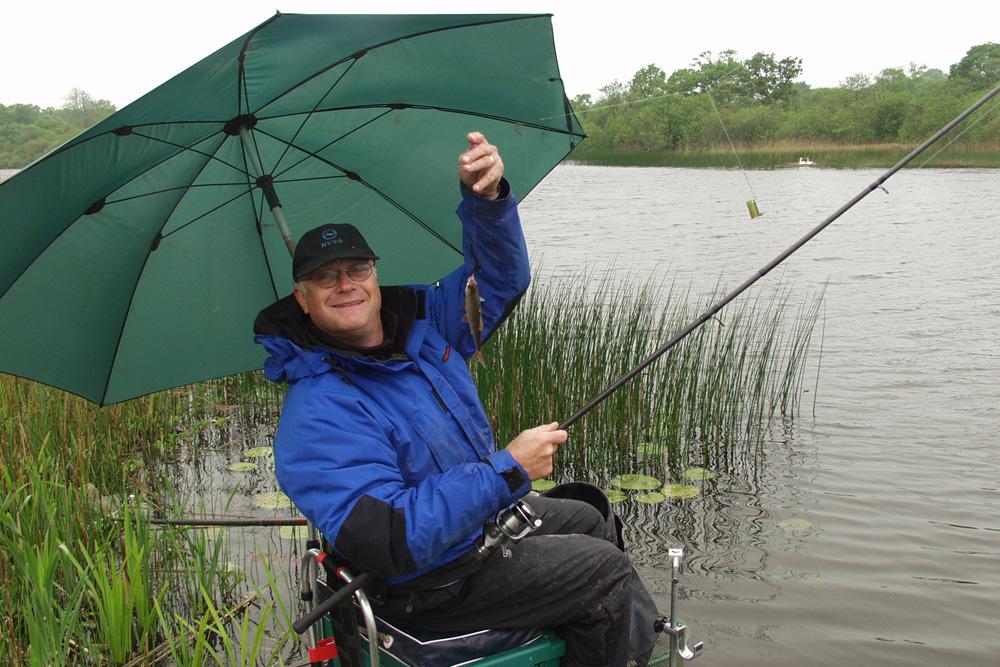 Ed Stoop in zijn geliefde Ierland tijdens de King of Clubs op een van de geweldige, typische, Ierse meren.