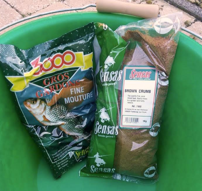 - Zelf heb ik geen voergeheimen. Voor het vissen op de Ierse meren gebruik ik Gros Gardons van Sensas met bruin brood! Simpel maar doeltreffend.
