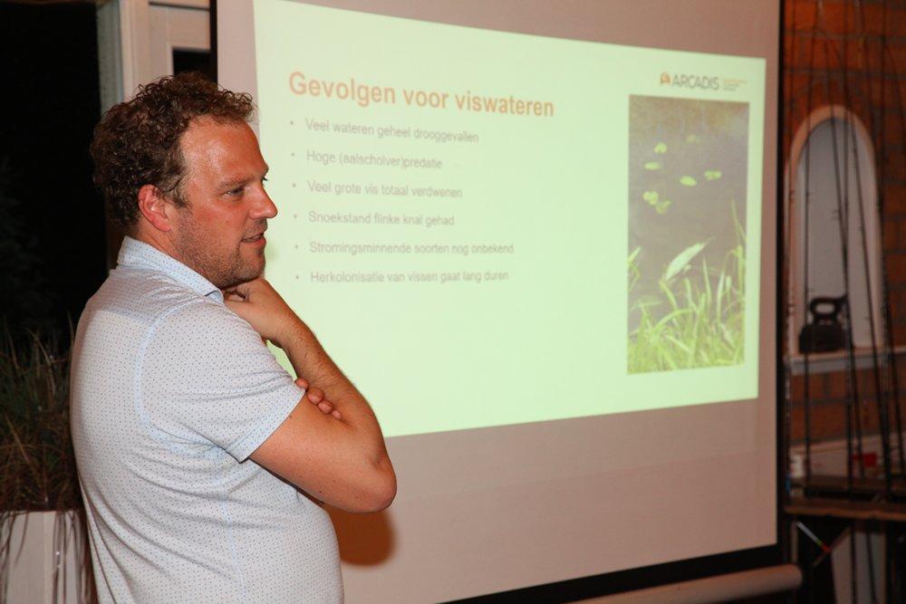 Lezing droogte - Namens ingenieursbureau Arcadis heeft Jeroen Beuseker de droogte geëvalueerd voor, onder andere, diverse oostelijke waterschappen, waaronder Rijn en IJssel.