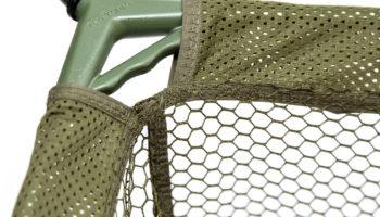 Drennan heeft recentelijk een tweetal Specialist Landing Nets op de markt gebracht die voorzien zijn van een hol, D-vormig, legering frame dat zowel een laag eigen gewicht heeft maar ook zeer strak is.