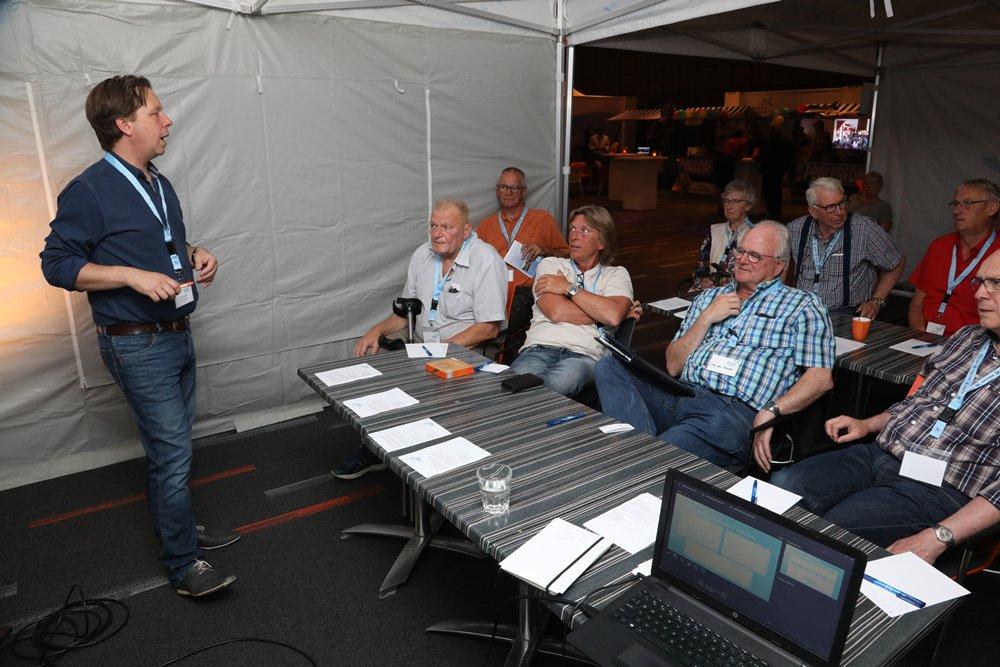Er waren twee rondes met workshops en discussies in kleinere groepen, zoals over lobbywerk binnen een gemeente.