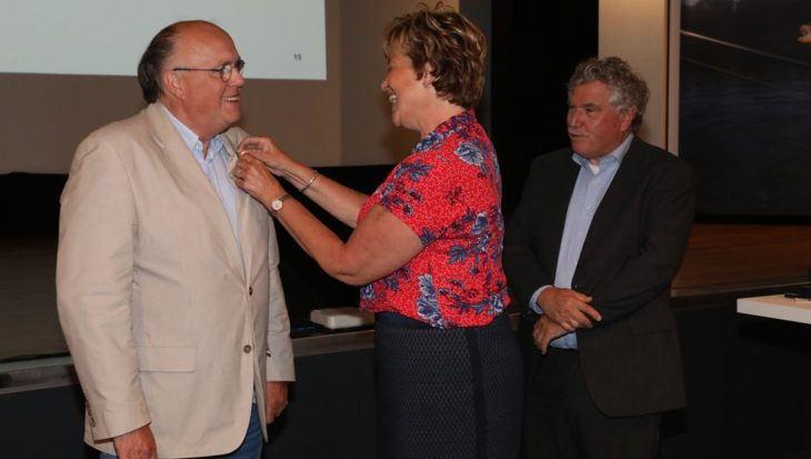 Pierre Bronsgeest en Peter Dohmen ontvangen gouden erespelden Sportvisserij Nederland