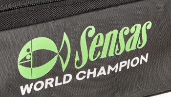 De EVA World Champion Tas heeft afmetingen van 50 x 30 x 25 cm, ze is vervaardigd van sterker en dikker EVA en is een zeer praktisch model om verschillende accessoires in op te bergen.