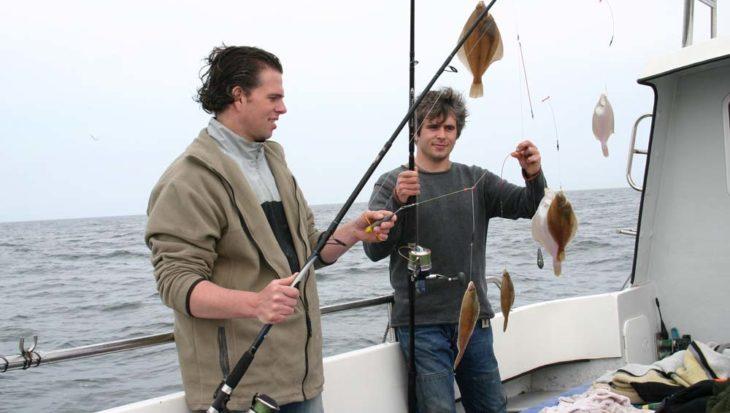 Zeevissen vanaf een boot: hoe doe je dat?