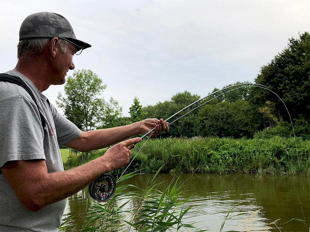 Kronkelen met Rolf vliegvissen karper