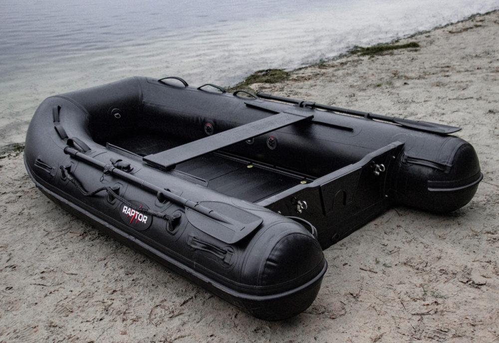 Karpervisser - Raptorboats heeft dit jaar een nieuwe range boten gelanceerd: de X-Treme Black.