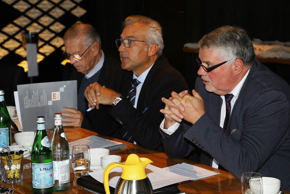 Jürgen Tracht van het Duitse watersportverbond gaf aan dat de watersportmarkt in 2019 stabiel gebleven is.