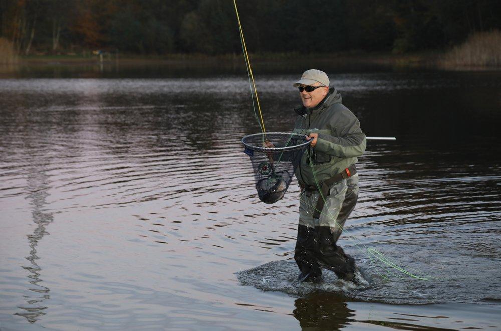 De laatste vis haakte hij tien seconden voor het eindsignaal…