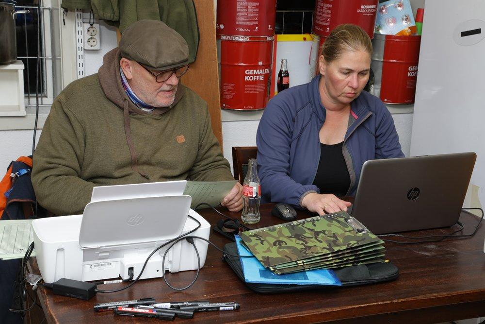 De vangstresultaten worden in het computerprogramma verwerkt.