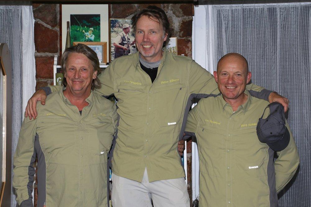 De eerste drie na vier voorronden op witvis- en forellenwateren en de finale op Baggelhuizen: 1. Peter Elberse (midden), 10 punten; 2. René Koops (links), 11 punten; 3. Bert Schmidt (rechts), 23 punten.
