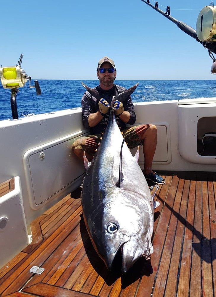 De wateren rond Gran Canaria wemelen van de grote vissen en je hebt alle kans om blauwe marlijn, witte marlijn, dorado, wahoo, plus diverse haaien- en roggensoorten te landen.