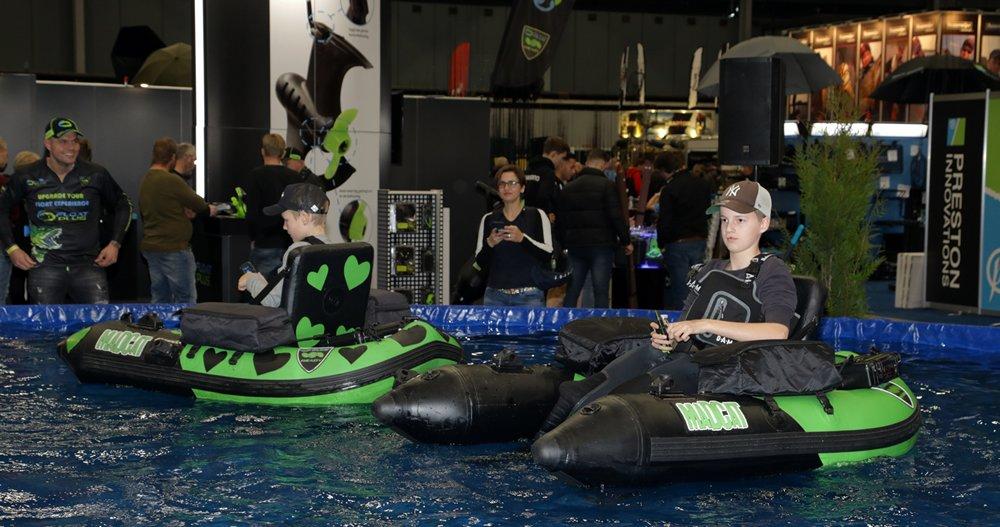 Plezier met van Floatplus motoren voorziene bellyboten.