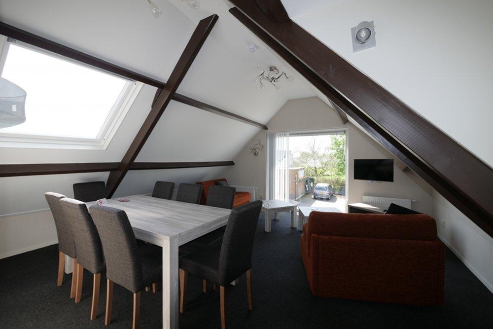 Huur een appartement, chalet, woonboot en vaar met uw boot naar Vinkeveen en VVP Verhuur/Visserslust heeft een ligplaats voor u.