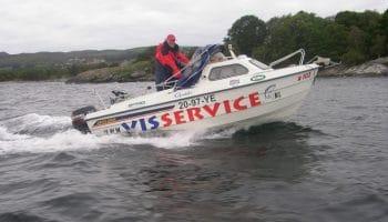 Met het motto 'U hoeft alleen maar in te stappen' richtte Reier Groot in 2002 'Visservice' op.